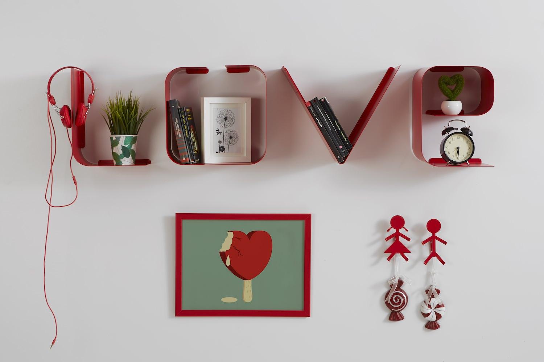 Lettere Da Appendere Al Muro mensola a lettere scritta love | personalizza le tue pareti | mipiacemolto
