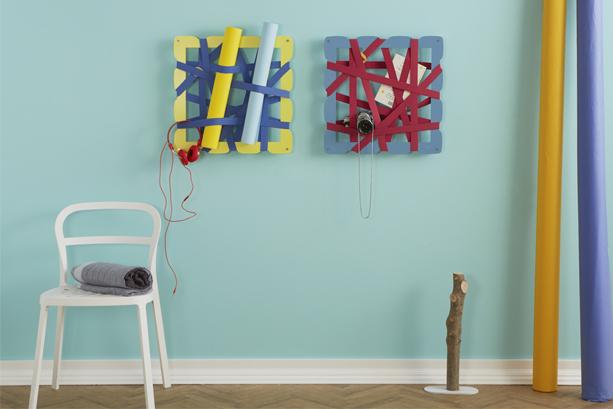 Parete colorata con portaoggetti originale con bande elastiche | Mipiacemolto