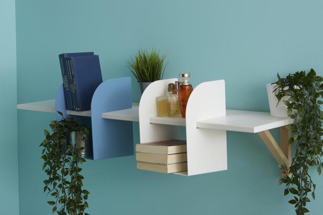 Mensola con portaoggetti design agganciati sotto | Mipiacemolto